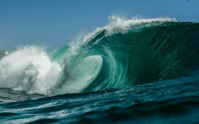 The Feminine Intimacy Cycle – Like Waves